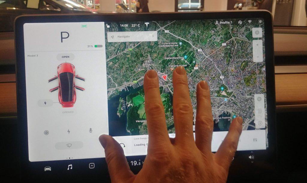 Skærmen i Tesla Model 3